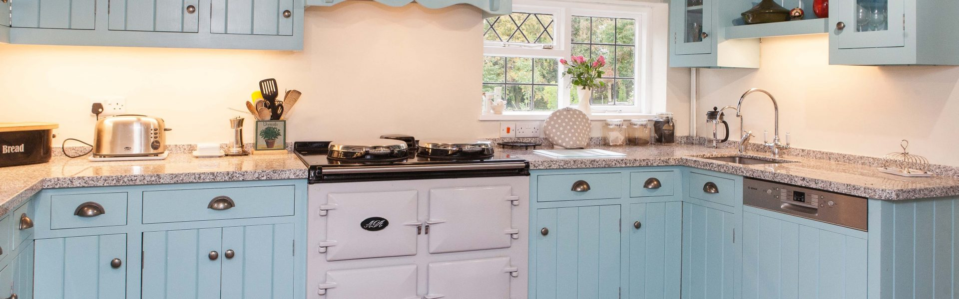 bespoke kitchen for traditional property